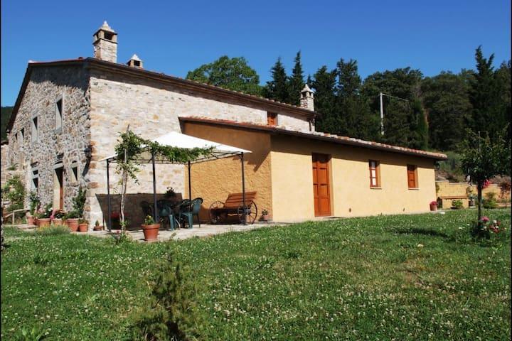 Casa La Primula, sleeps 9 guests - Cortona - Villa