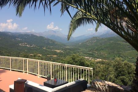 Appartement F2 dans villa vue panoramique - Tavaco