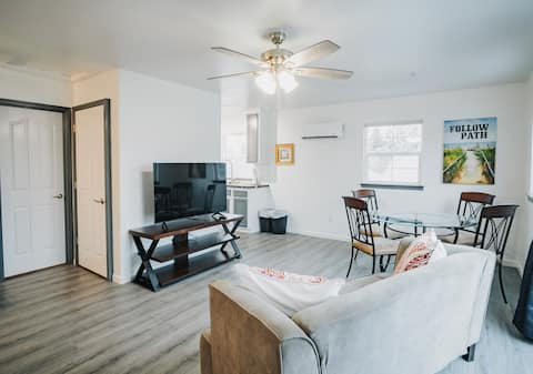 Gorgeous Upstairs Studio with Patio and Laundry