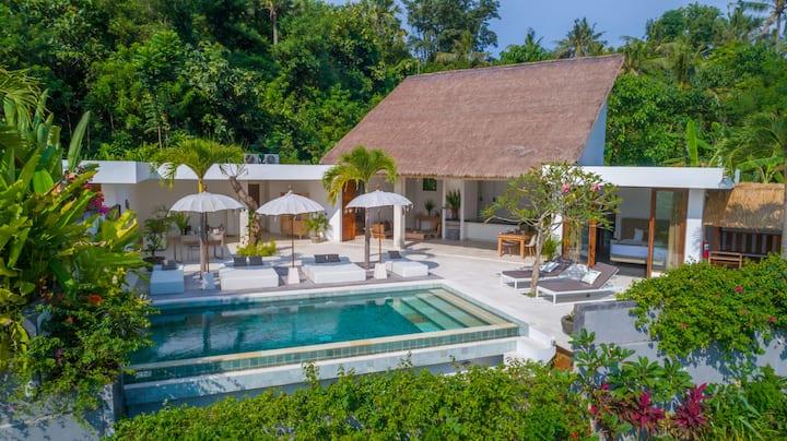 Villa Alang Alang, Tumbu Bali