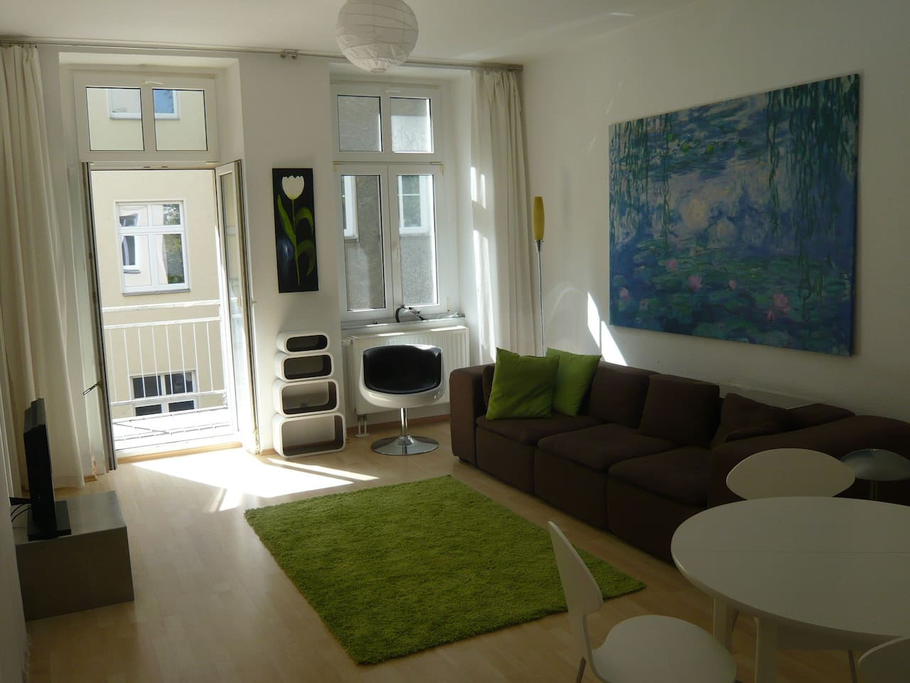 livingroom with access to the balcony