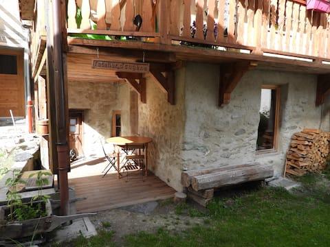 L'Atelier d'Eugène,cosy studio à Champagny-le-Haut