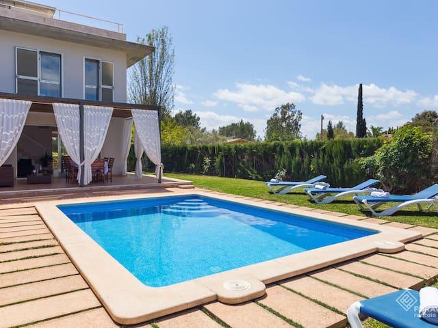 Vaumera F - Beautiful villa with private pool