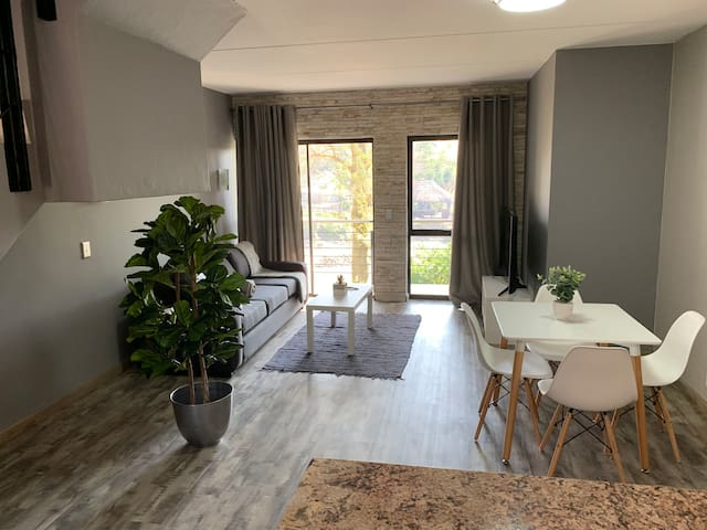 2 Bed 2 Bath near Monte Casino & Fourways Mall