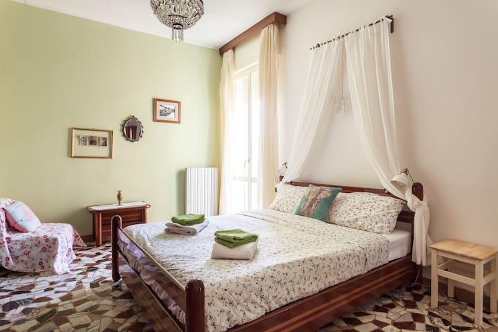Casa sul tetto vicino Maggiore - Bologna - Apartment