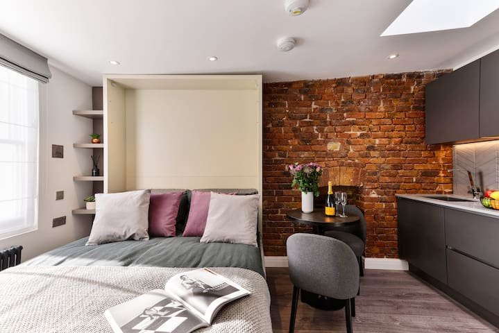 ♡ NEW!  Cosy studio premium street Notting Hill