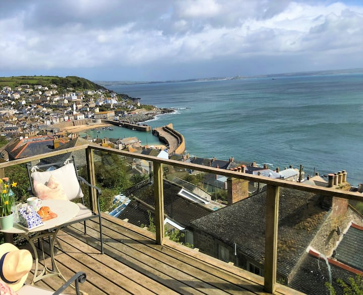 Green Hedges: Cornish cabin with panoramic views