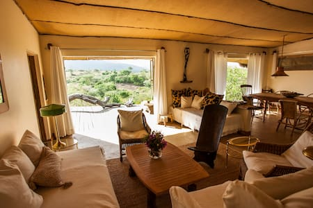 Superior Holiday Home Hillside - Africa Amini Life