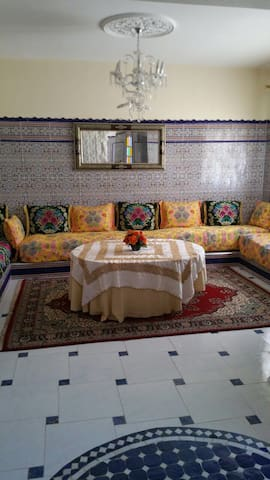 Traditional Modern Meknes Apartment - Meknes - Appartement