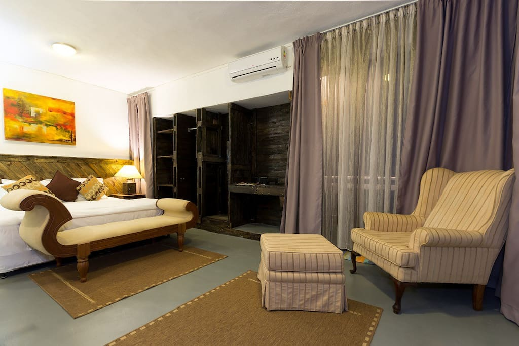 Nice and cosy bedroom of 35 sq m chambres d 39 h tes for Chambre d hotes nice
