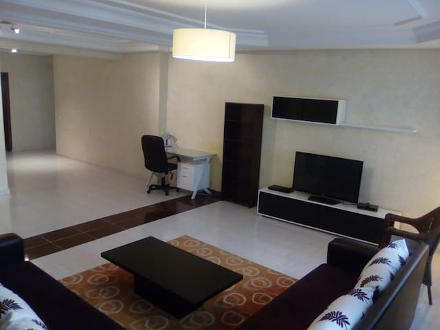 Grand appartement standing - Centre de Tanger