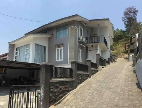 Green Hills house