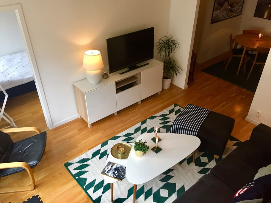 Living room with blue tooth sound system and Smart TV including Netflix, HBO nordic, Viaplay, Cmore & basic cable