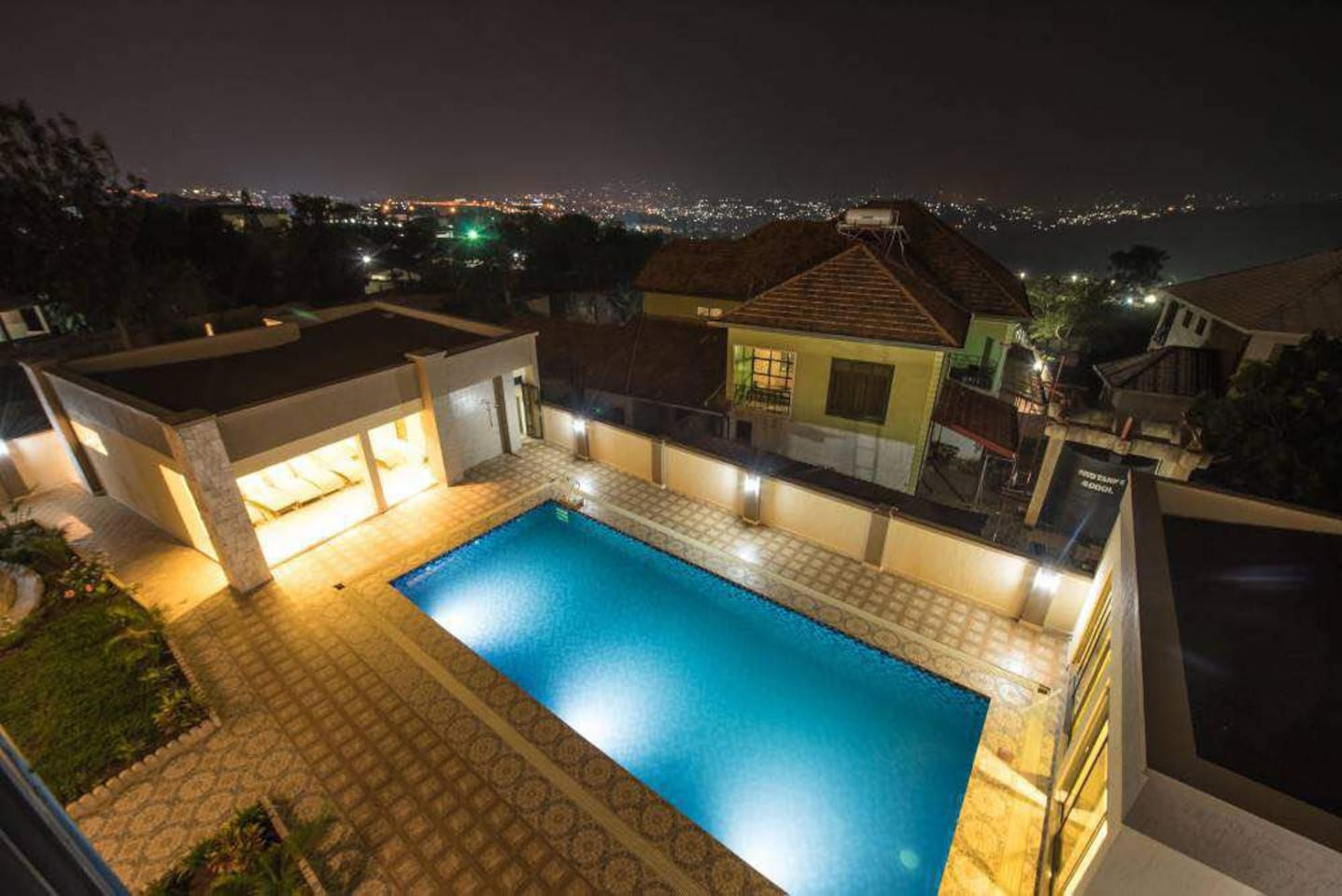 Fully equipped stylish apartment with pool and gym