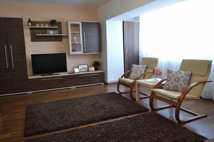 Comfy apartment in the center of Braşov ( 85 m2)