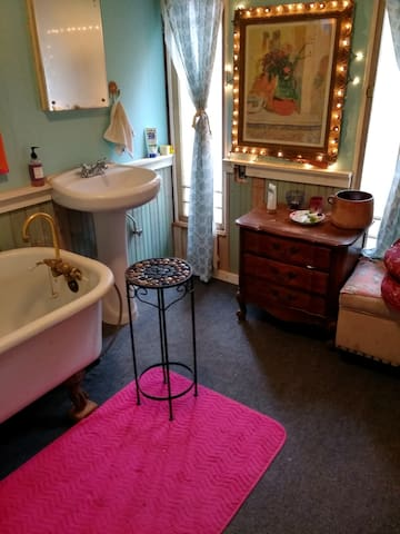 Private Studio close to downtown Placerville