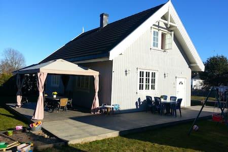 Family friendly house near the sea - Tjøme - Casa