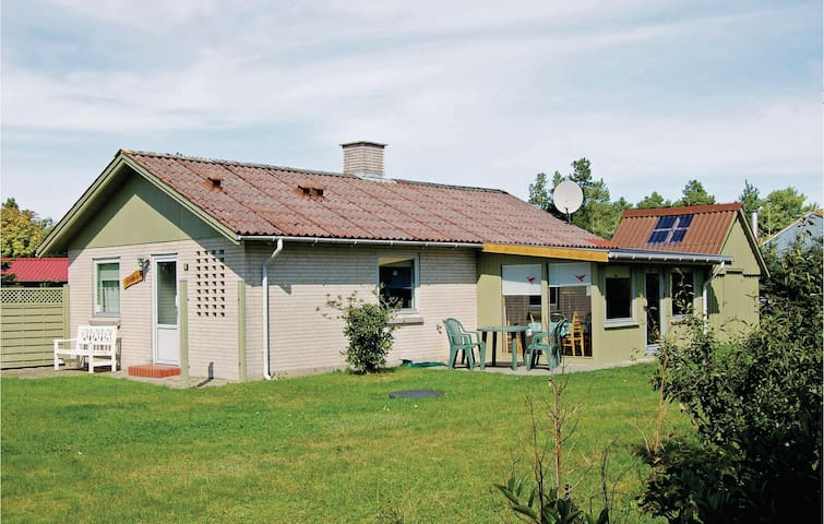 Holiday cottage with 2 bedrooms on 72m² in Tarm