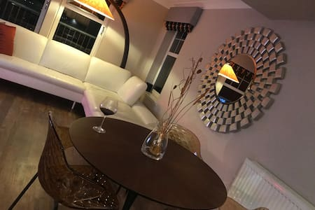 Serviced Show Home Apartment In The Bathgate Area