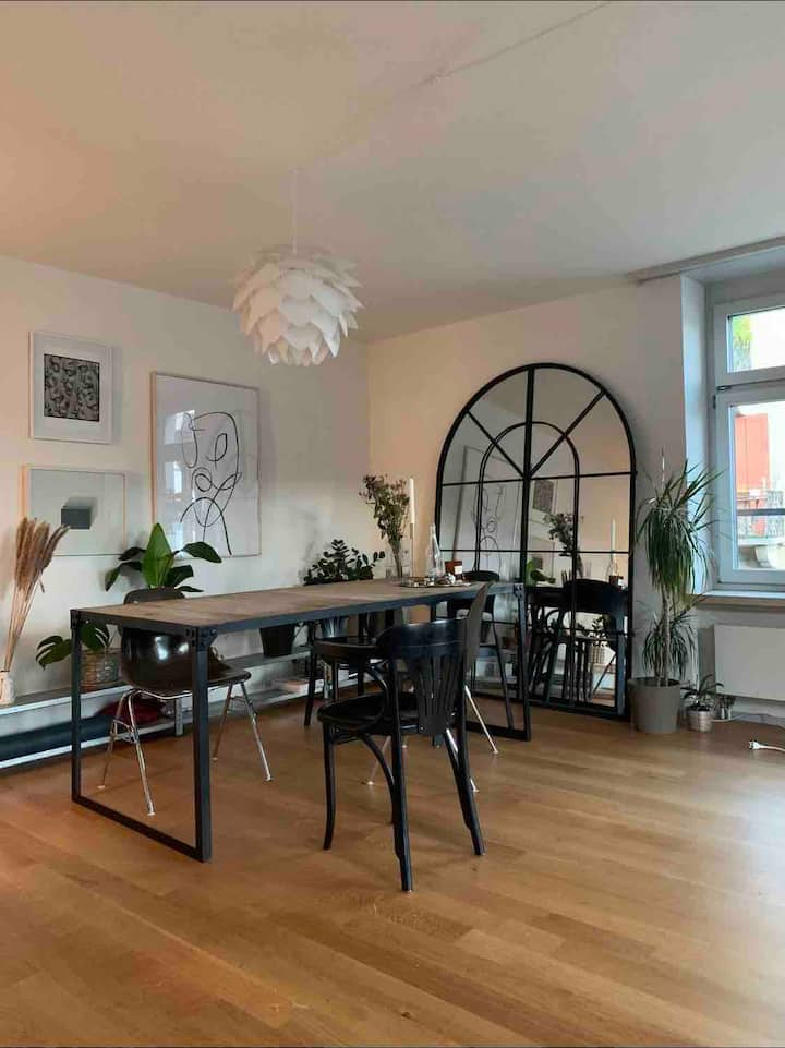 Cozy apartment in walking distance from station