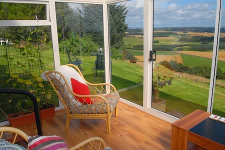 Modern Cottage, superb views, near St Andrews