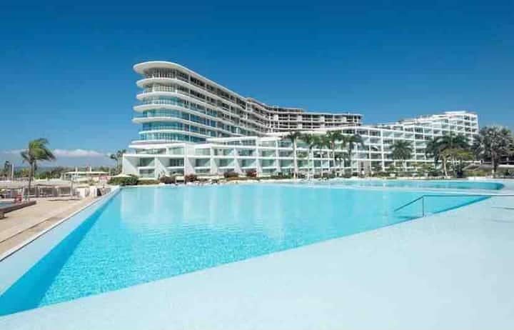 Aria Ocean New Luxury Apartment on the Beach