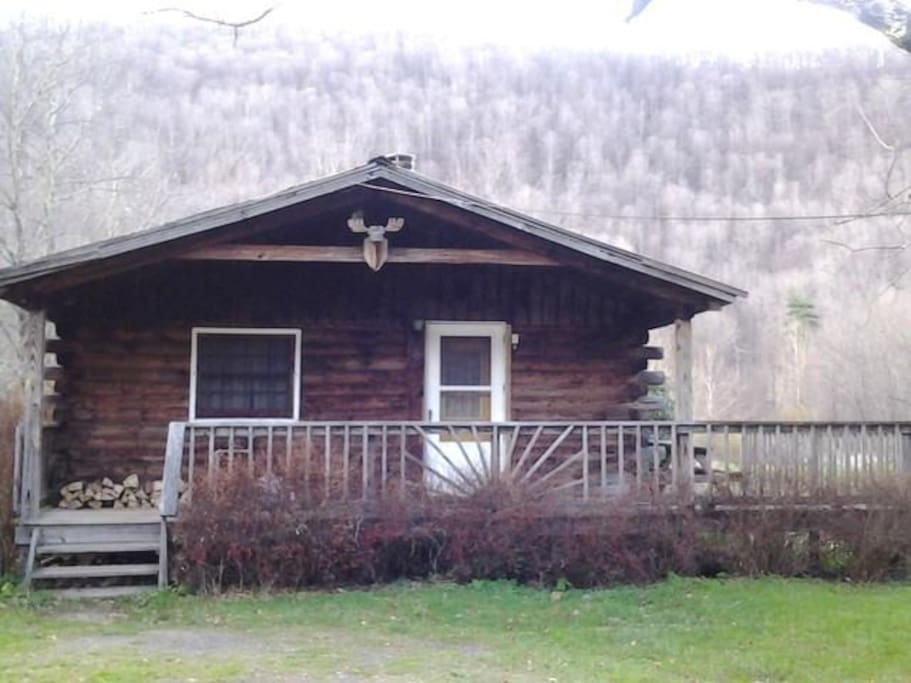 Catskill Cabins With Fireplace 2 Br Cabins For Rent In