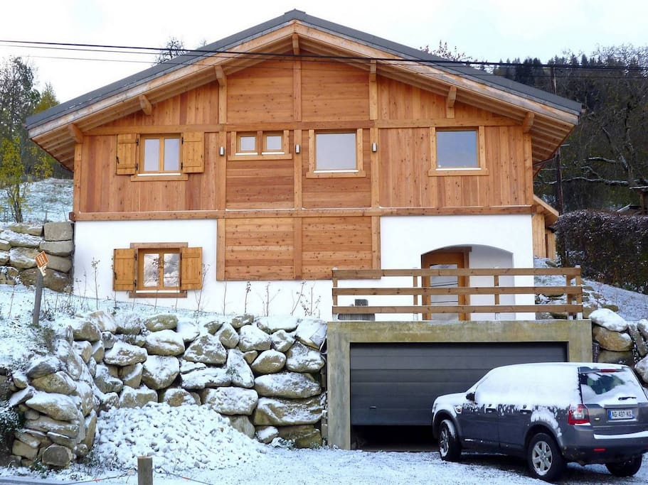 Chalet: Street side, Garage with inside staircase