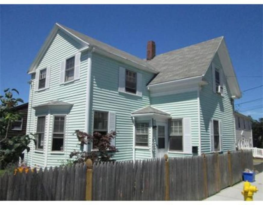 Nicely situated near all that Gloucester has to offer. Inside has updated kitchen and bathrooms.