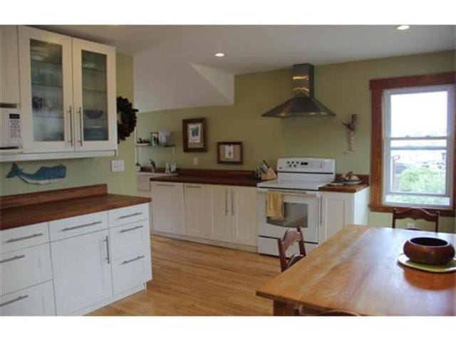 Wonderful Inner Harbor Home - Gloucester - Ev