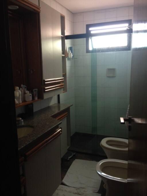 Banheiro 2 qtos