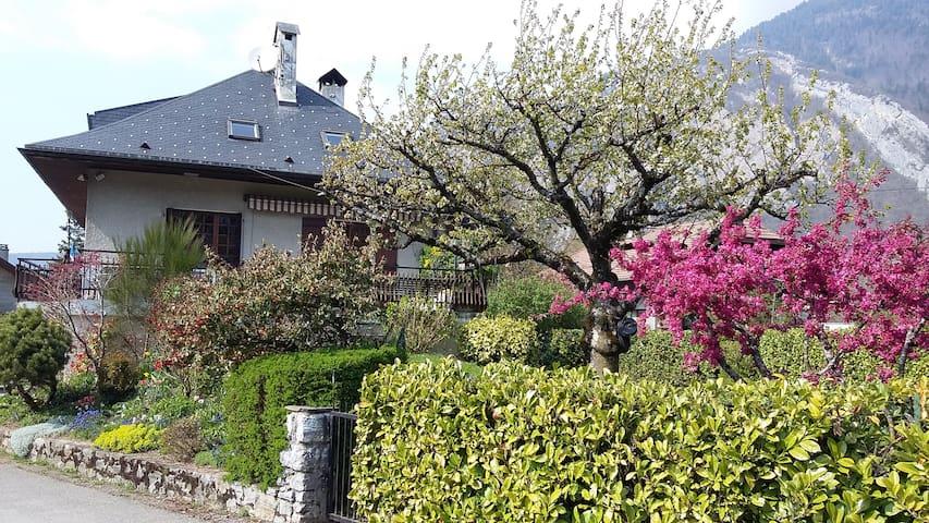 Lac d'Annecy, Appartement dans villa 6 personnes