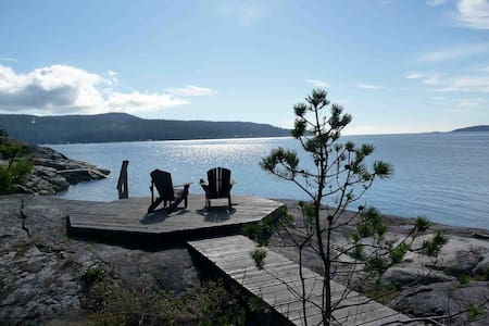 Spectacular Waterfront B.C. home! - Halfmoon Bay