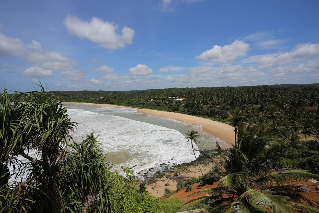 Talalla  Bay- unique please on the south of Sri Lanka . Quiet, deserted, clean and attractive to people who are looking for privacy and tranquillity. No noisy discos, loud music, obsessive Beach-Boys and souvenir sellers.
