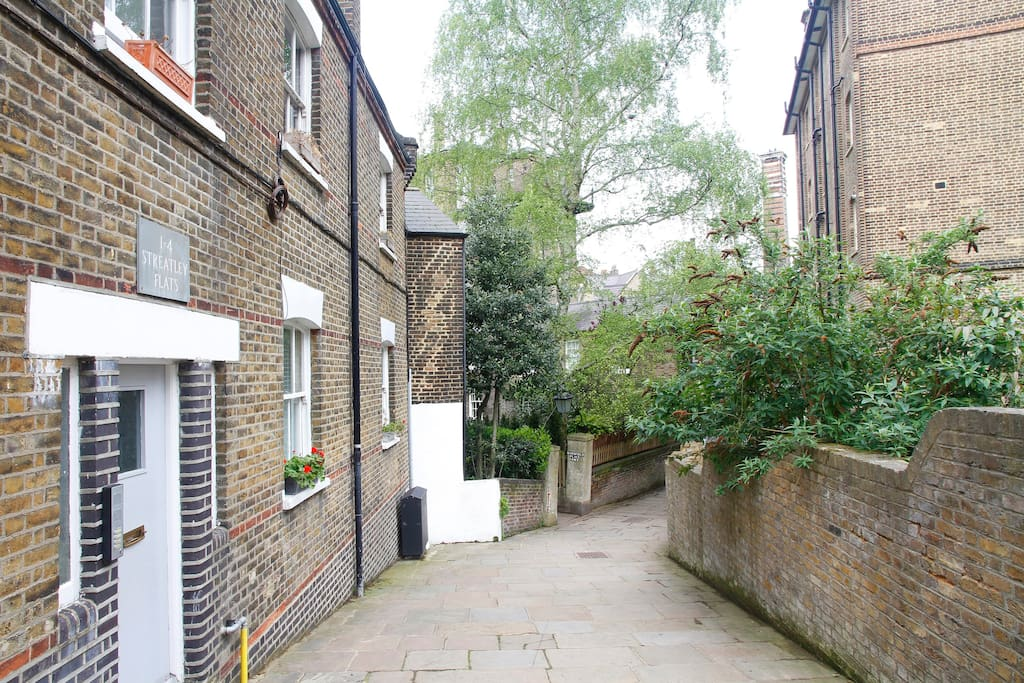2 Double Bedroom Apartment Hampstead Village London central and secure