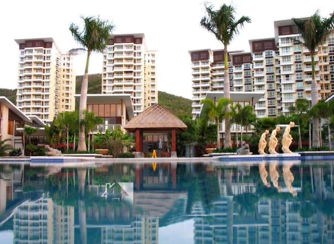 花园式滨海小区,豪华舒适一居室,海景阳台,安静安全私密度假之选。