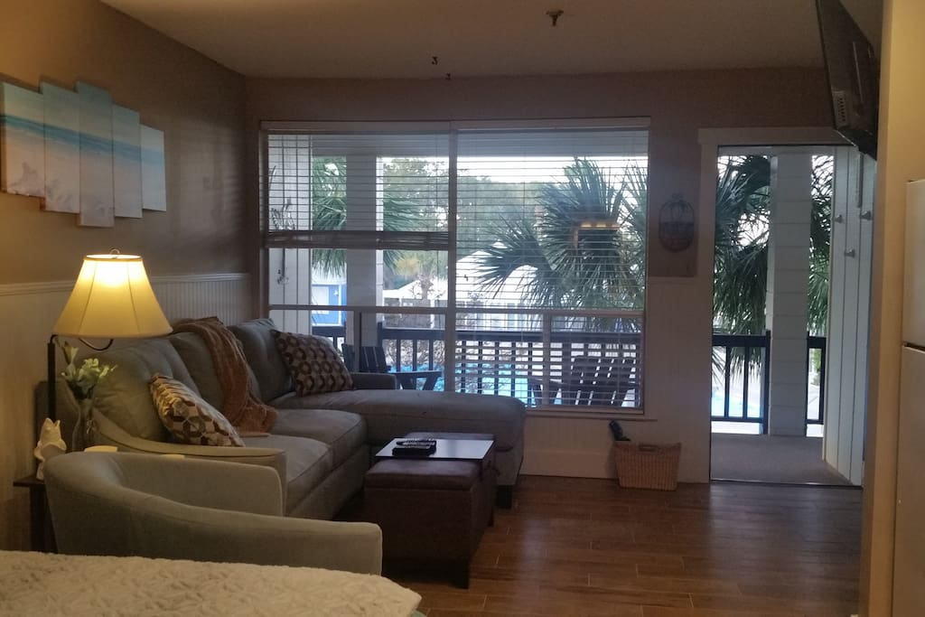 Lots of light from the large window; flat-screen TV with Dish Network mounted on the wall and can move 180 degrees for your viewing preference
