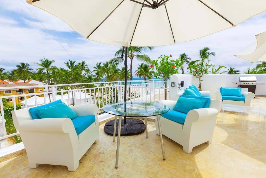 You will love to spend time on this terrace sipping a cocktail and admiring the views.