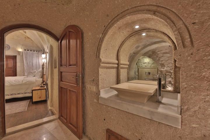 Suite W Balcony+Bath-Tub+Breakfast
