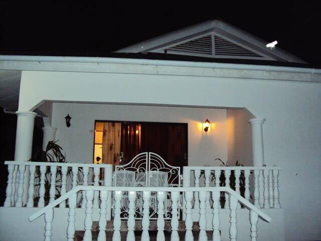 Coco de mer villa - Anse à la mouche - Dům