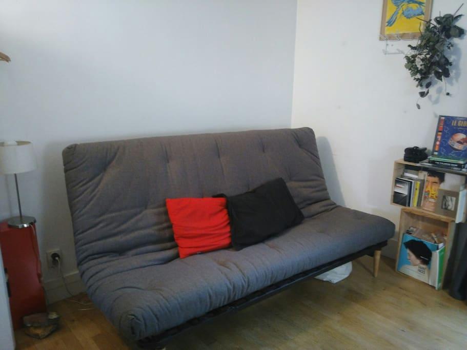 chambre 13m2 centre de saint denis appartements louer saint denis chambre 13m2 chambre. Black Bedroom Furniture Sets. Home Design Ideas