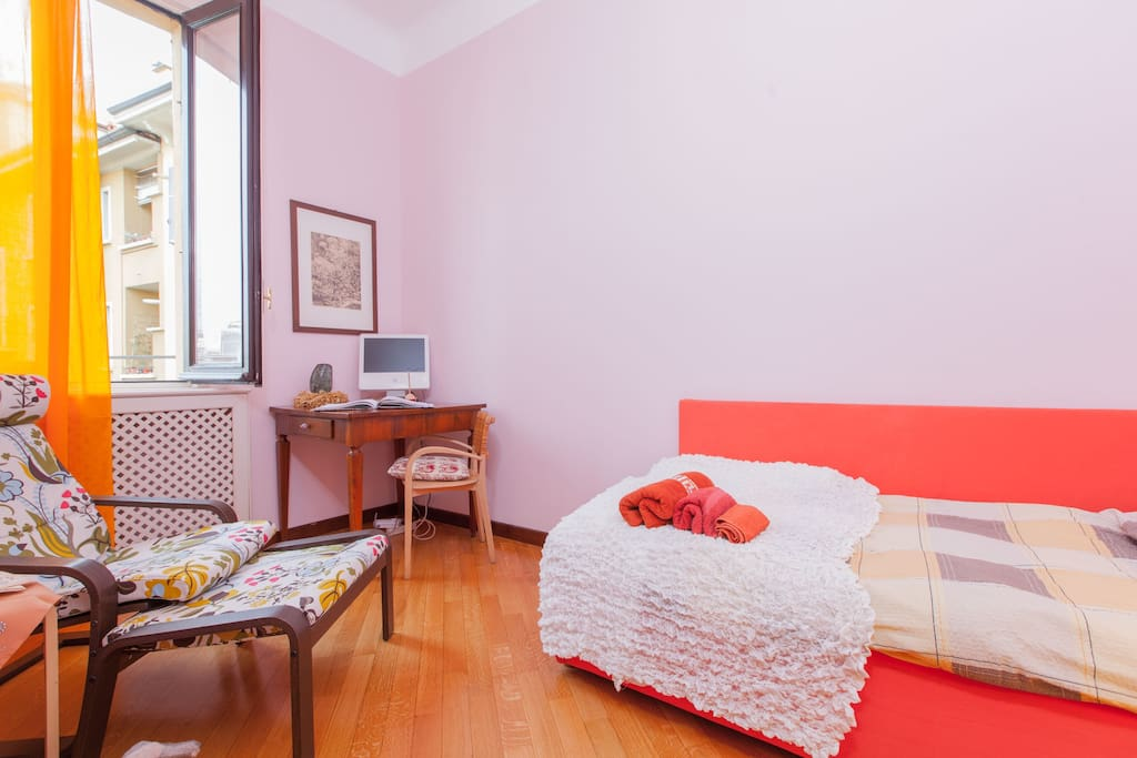 Room For Rent In Milan Italy