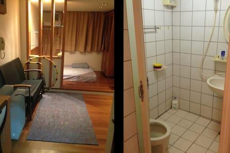 Osim URobic WiFi Double Bed Room 溫馨實惠獨立套房 - East District