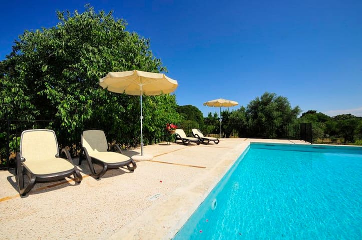 OFFER -15% LAST DATES House with pool