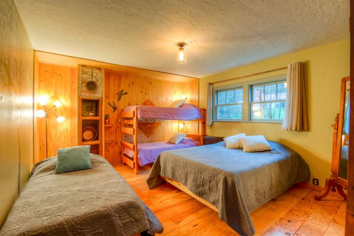 North Fork 53 Retreat and Tea Farm: Forest Suite