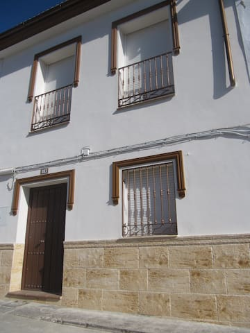Maison tout confort de 1 à 6 pers - Cuevas del Becerro - Maison