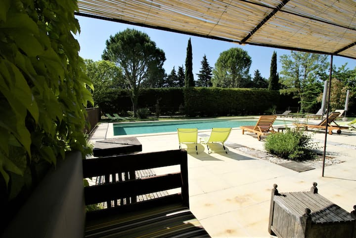 Charming 4 **** Guesthouse in Provence