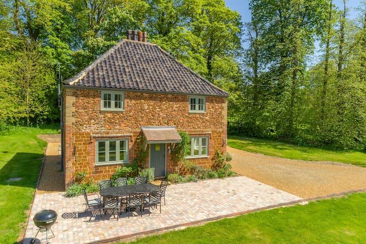 Park Cottage - Fring Estate