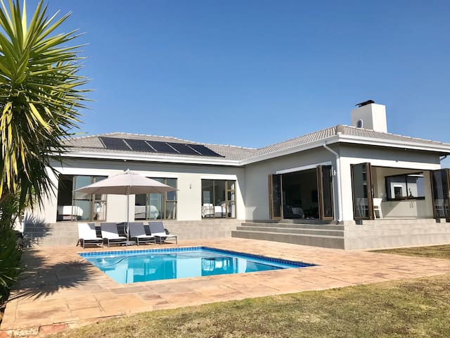 Isolation specials! Vaal dam home in safe estate.