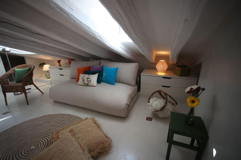 La Buhardilla De La Villa Flats For Rent In Madrid Comunidad De  # Muebles Un Kuarto